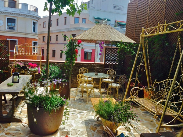 Madrid 39 s top 5 hidden rooftop bars the spotahome blog for Jardin secreto montera