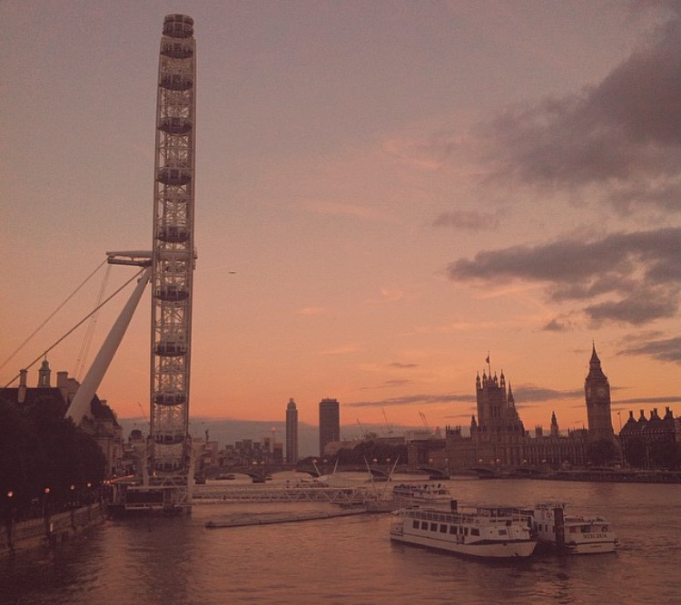 14 Things to NEVER Do in London