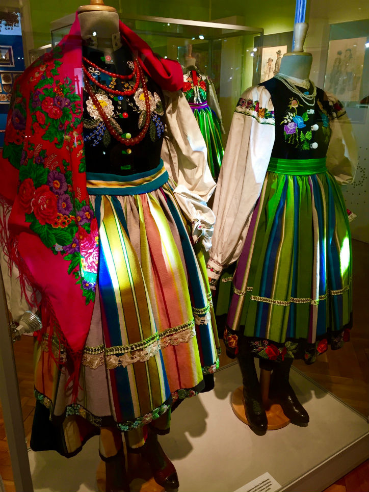 PL-EASTER_Regional--owicz-female-wear-at-the-Museum-of--owicz