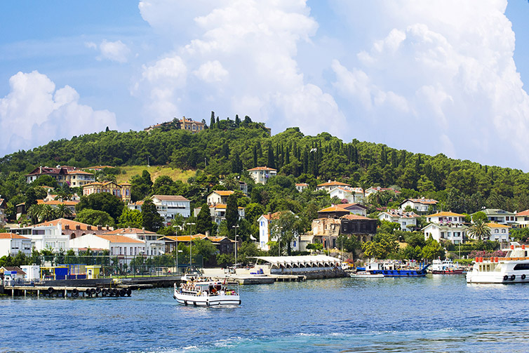 View-of-Heybeliada-from-the-sea