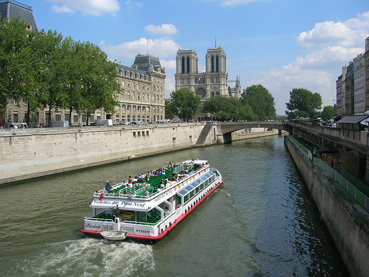 cruise_seine_paris_summer